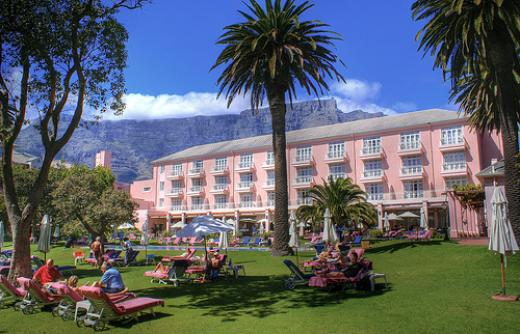 Cape Towns Grandest Dame, The Pink Lady, The Nellie ! | © Cape Town Hotels .co.za